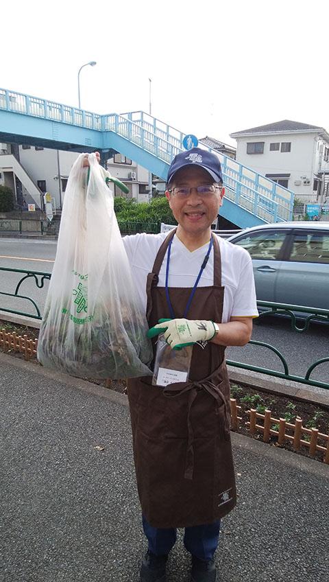 母校町田第四小学校の花壇づくりボランティア活動